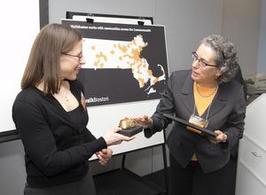 Karin Valentine Goins receives Golden Shoe Award from Wendy Landman. Photo Courtesy Carla Osberg Photography.